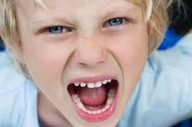 ילד מתעצבן