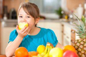 ילדים אוכלים בריא